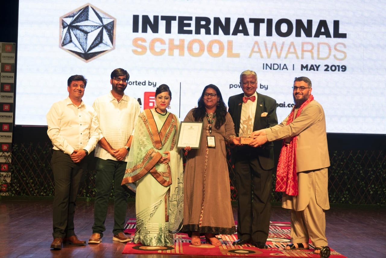 award photo at international school award